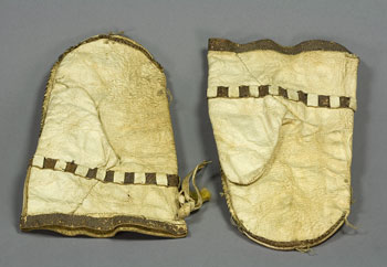 /artifacts/views/inuit_gloves.jpg