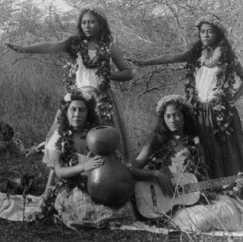 image of hula_girls